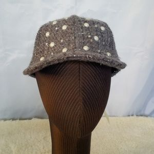 Gray sparkly tweed hat with pearl embellishment